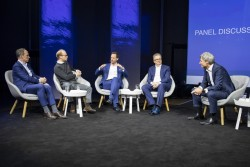grohe_intelligent_living_summit_panel2.jpg